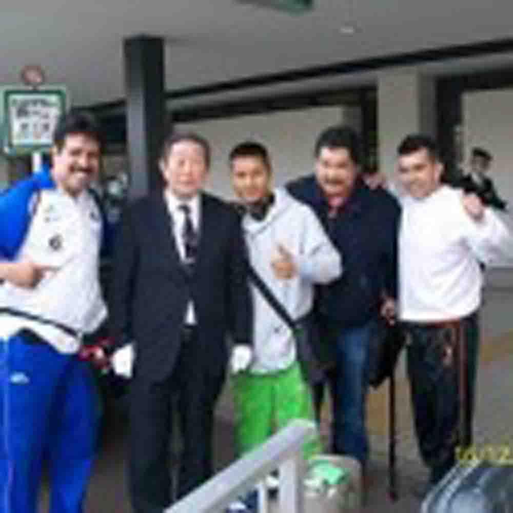 El mexicano Arturo Santos ya entrena en Kobe, Japón