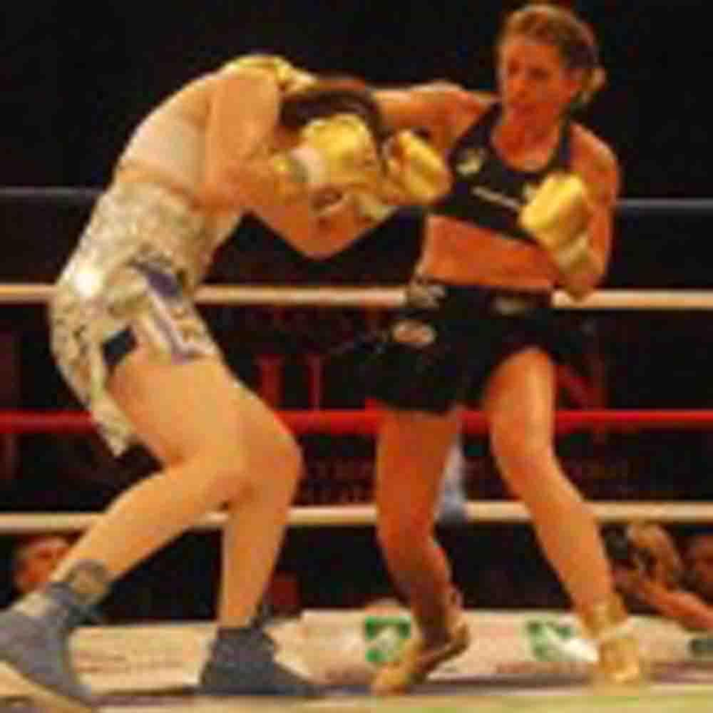 Argentina / 'La Turca' Duer derrotó ajustadamente a 'La Tigresa' Acuña
