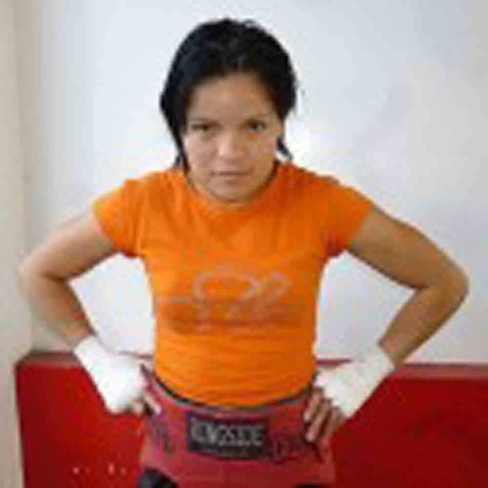 "Nancy ""Chatita"" Franco, segura de despojar del campeonato mundial WBA a Anabel ""Avispa"" Ortiz"