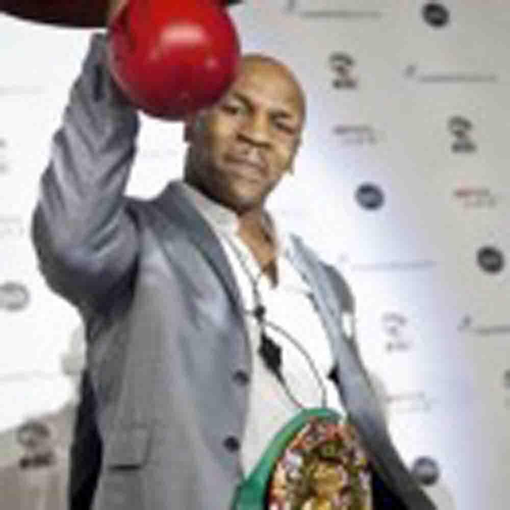 Mike Tyson regresa al boxeo