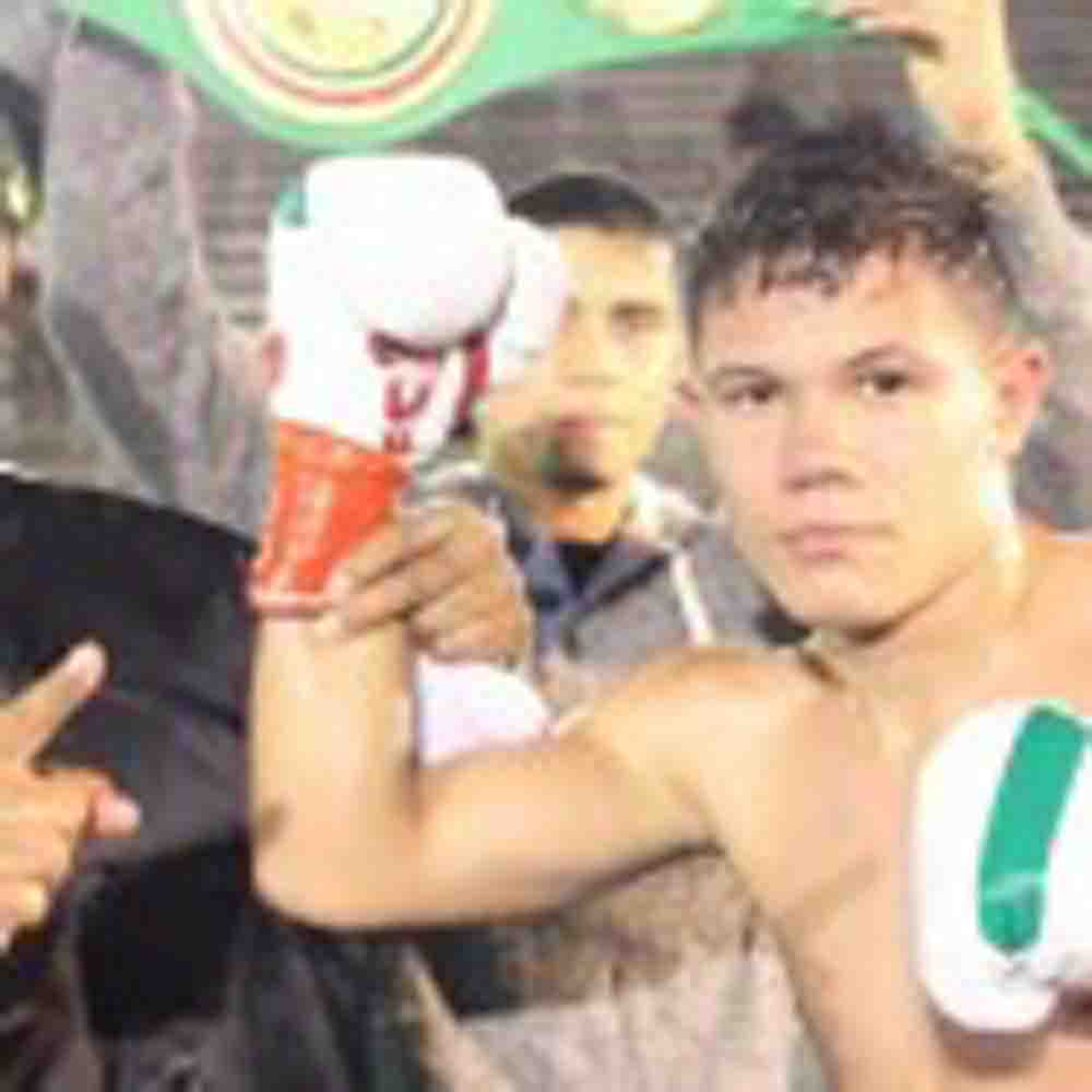 Alejandro Luna Remains Undefeated With TKO Victory