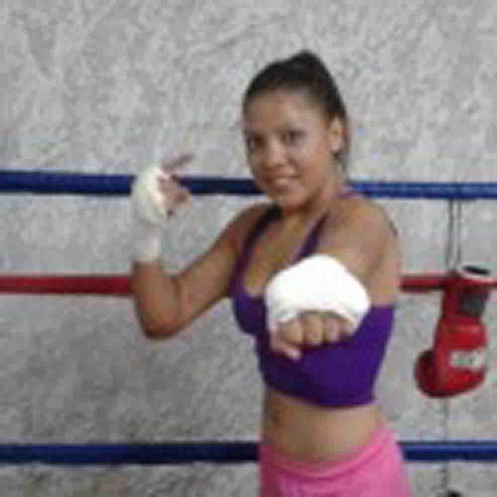 """Alondra """"Magnifica"""" García reaparece bajo la promoción de RG Boxing"""