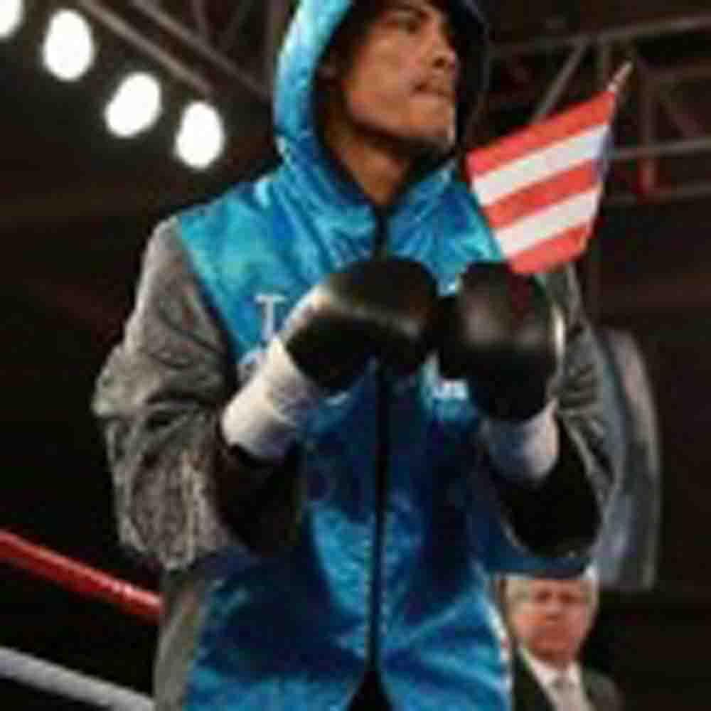 Boricua Roberto Acevedo al ring junto a Daniel Santos