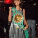 Bridget González cantará himno nacional de México en la cartelera Hernández vs. Rivera